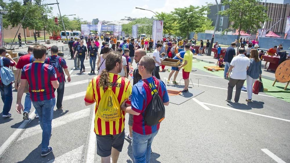 جولة في مدينة برشلونة قبل نهائي الكأس Pic_2015-05-30_FANZONE_24-Optimized.v1433007508