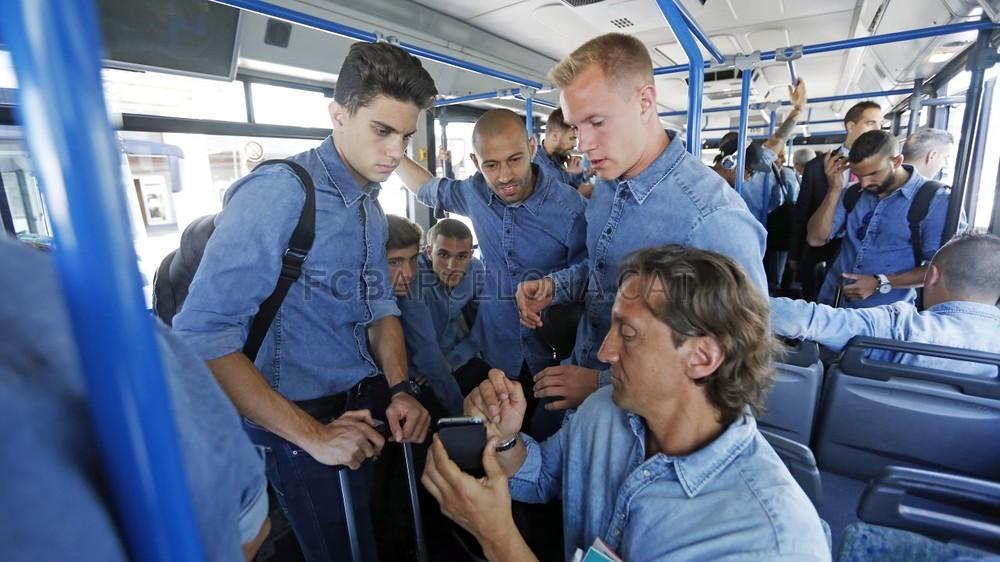 تنقل لاعبي برشلونة إلى برلين  _RG29731-Optimized.v1433494702
