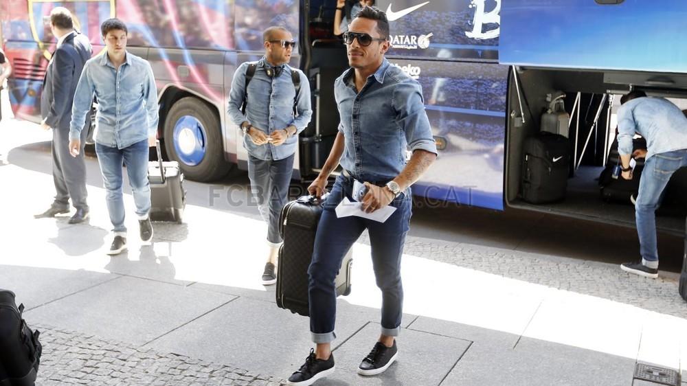 تنقل لاعبي برشلونة إلى برلين  _RG29948-Optimized.v1433508020