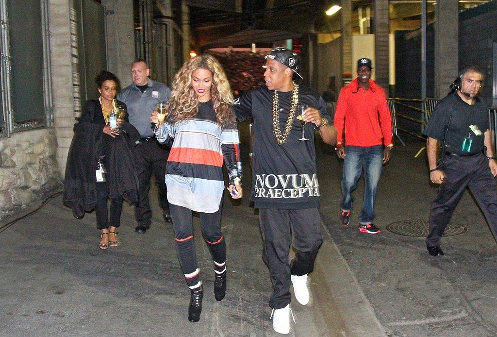 Beyonce and Jay Z - Page 2 Jay-Z-Beyonc%C3%A9-shared-celebratory-glass-Champagne-July