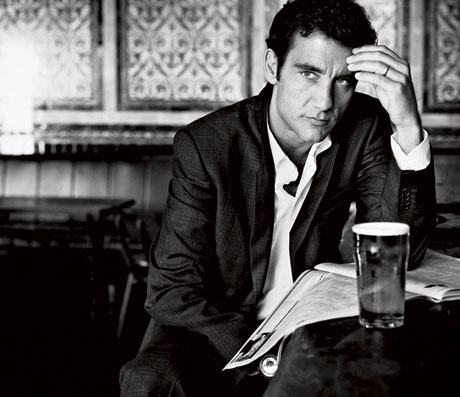 Clive Owen Photos-Quotes-From-Clive-Owen-Esquire-Magazine-March-2009-Issue-Julia-Roberts-Says-George-Clooney-Obsessed-Clive