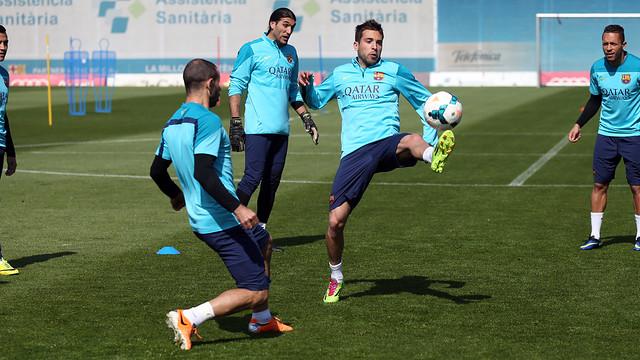 Spécial Messi et FCBarcelone (Part 2) - Page 4 Pic_2014-03-27_ENTRENO_14.v1396259325