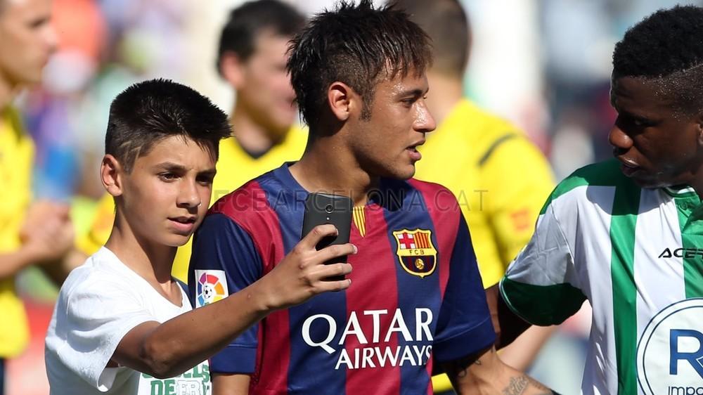 صور : مباراة قرطبة - برشلونة  0-8 ( 02-05-2015 )  2015-05-02_OTRO_CORDOBA-BARCELONA_20-Optimized.v1430667840