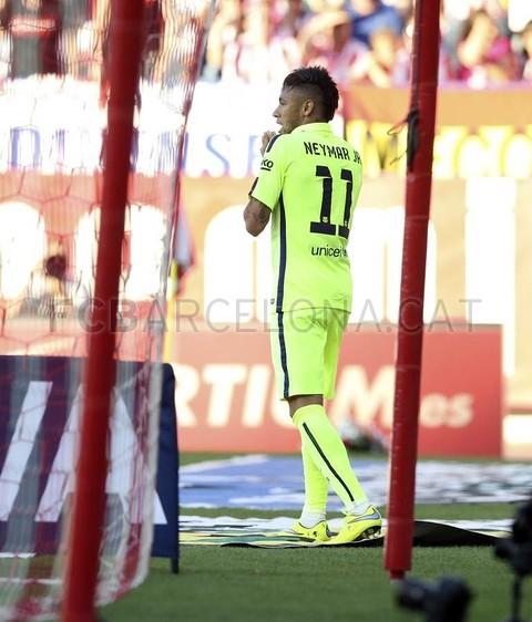 صور : مباراة أتليتيكو مدريد - برشلونة 0-1 ( 17-05-2015 )  Pic_2015-05-17_OTRO_ATLETICO-BARCELONA_22-Optimized.v1431971500