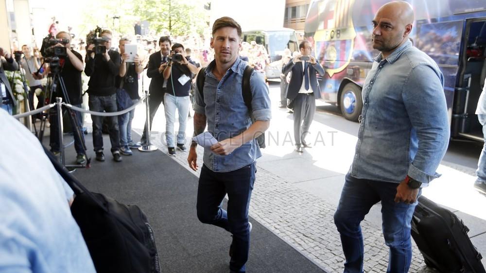 تنقل لاعبي برشلونة إلى برلين  _RG29927-Optimized.v1433508011
