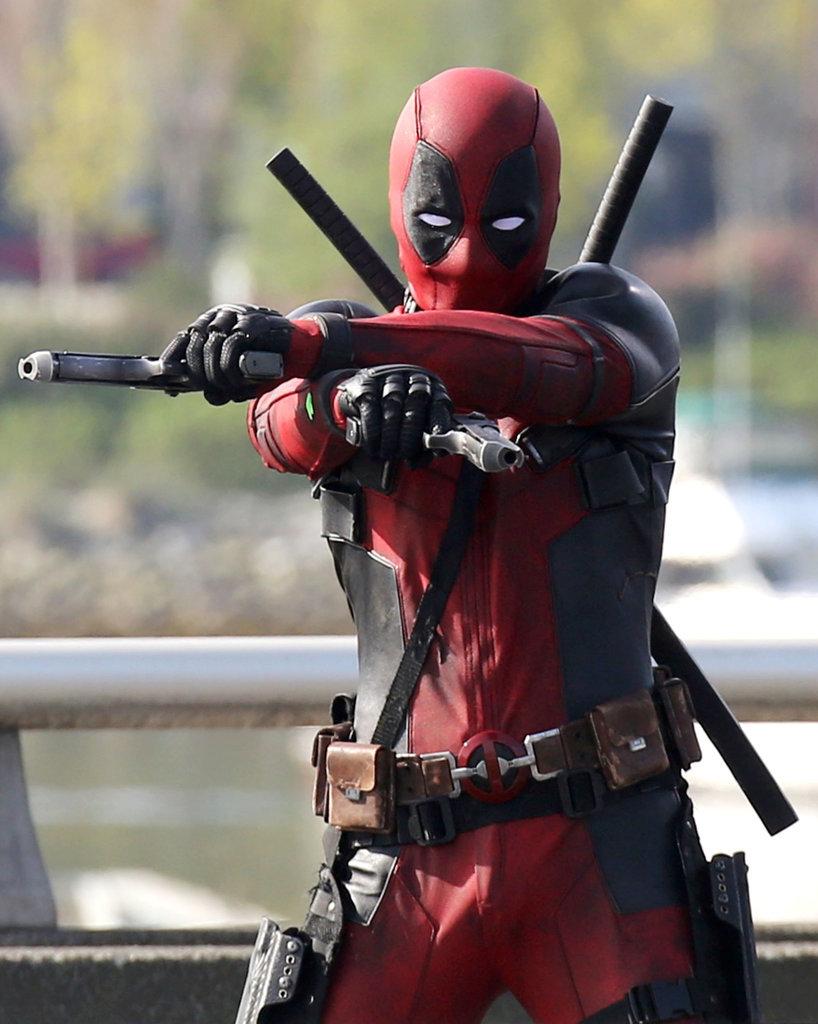Deadpool test footage CGI Deadpool-Set-Pictures-Ryan-Reynolds