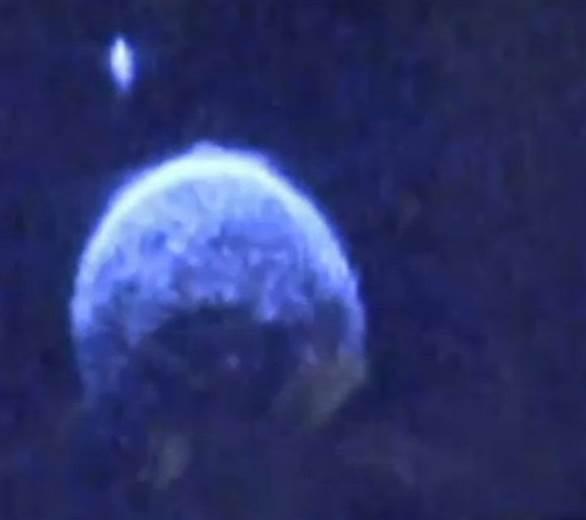 Astéroïdes frôleurs - Page 2 150126-asteroid_1af2bd2eef5ebfe3f445bd1c9a6d896f.nbcnews-ux-600-520