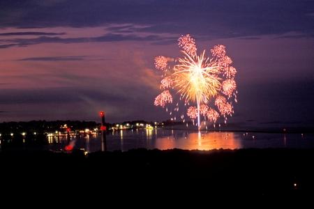(FULL) Esamir International News Network - Page 12 Lower_Harbor_Fireworks