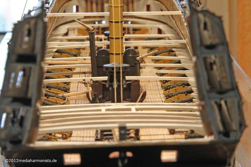 Le plastique c'est fantastique (HMS Victory) 800_Victory-messenger_3466