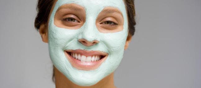 Faire un soin hydratant visage   Les-bienfaits-de-l-argile-pour-le-corps_imagePanoramique647_286