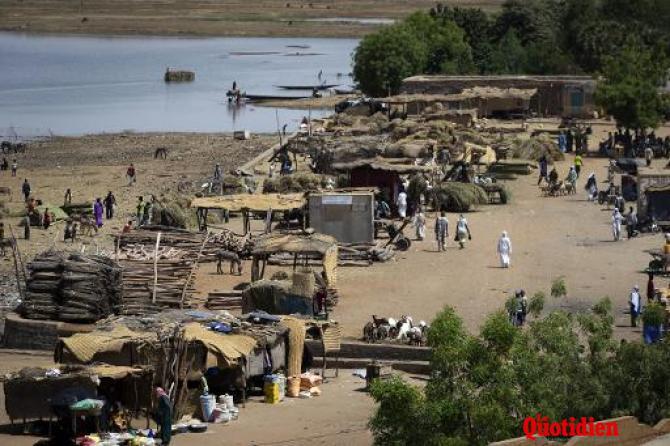 Mali: Les islamistes dynamitent un pont au sud de Gao Dce74a82a58a756b2348d399afa87e2100b28a0a