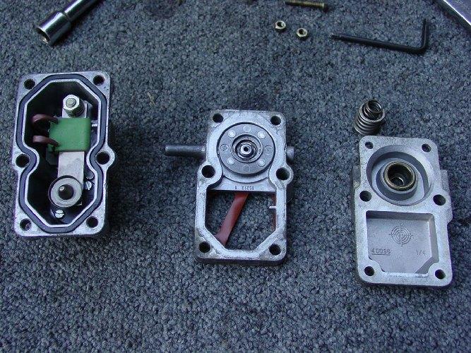 Modifier la contre pression d'injection - Page 2 DSC00495