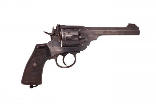 18 otkober: The loss of a flightleader Webley-revolver-for-captain-dave