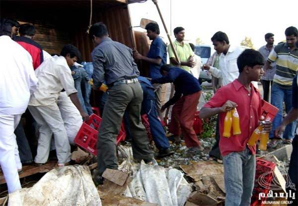 حادث سيارة عند الهنود ما صدقوا هجووووم W9