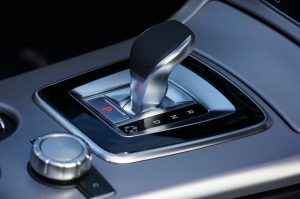 Informações técnicas - falhas e problemas mais comuns transmissão 7G Tronic - 722.9  Mercedes-benz-shifter-300x199