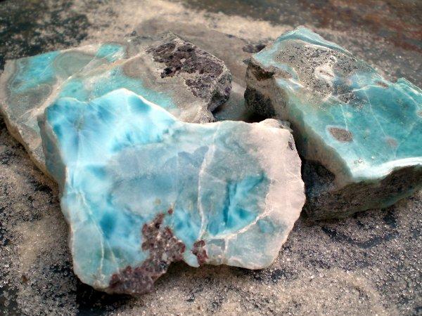 Kristali - drago i poludrago kamenje - Page 3 Larimar3