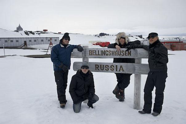 STAR DUST Metallica-Antarctica-2