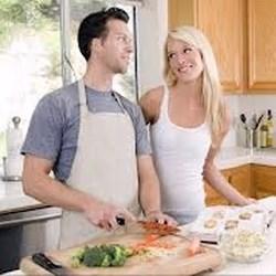 Što biste radili s osobom iznad, prikaži slikom - Page 4 Musko-zensko-kuhinja
