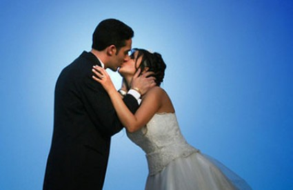 Poljubac  - Page 3 Poljubac_vjencanje
