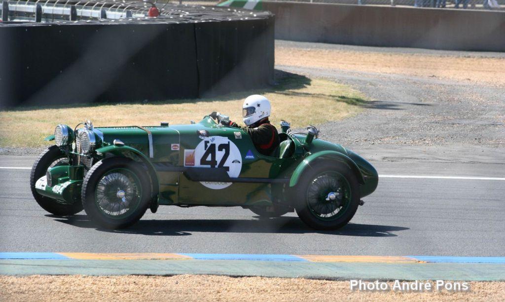Suite d'images Le jeux - Page 2 Andre_Pons_MGK3_n42_Le_Mans_2005_Chicane_Dunlop_1024x612