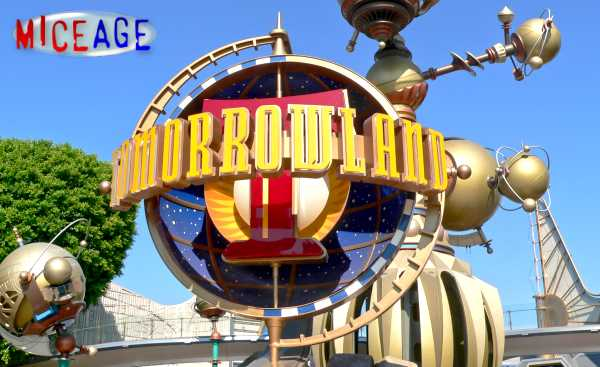 [Disneyland Park] Le futur de Tomorrowland (dont Season of the Force)  Al082807g