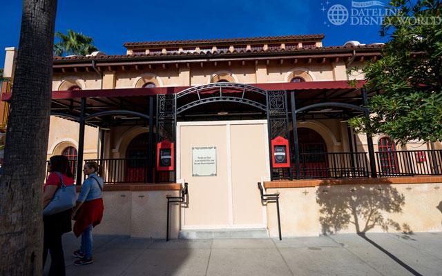 Starbucks Coffee arrive dans tous les parcs Disney américains à partir de juin 2012 - Page 4 DSC9043