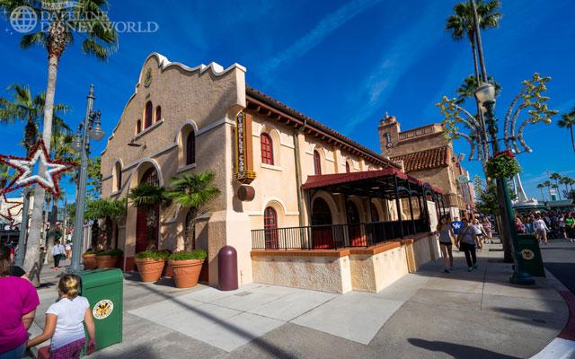 Starbucks Coffee arrive dans tous les parcs Disney américains à partir de juin 2012 - Page 4 DSC9046