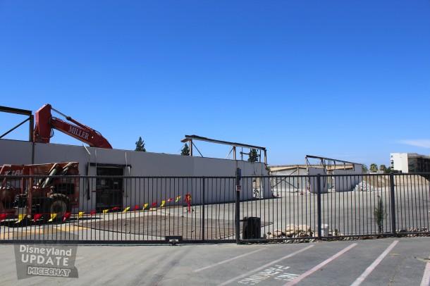 [Disneyland Resort] Projet de troisième parc et nouveaux parkings - Page 3 PKG-Const-July-9-7-610x406