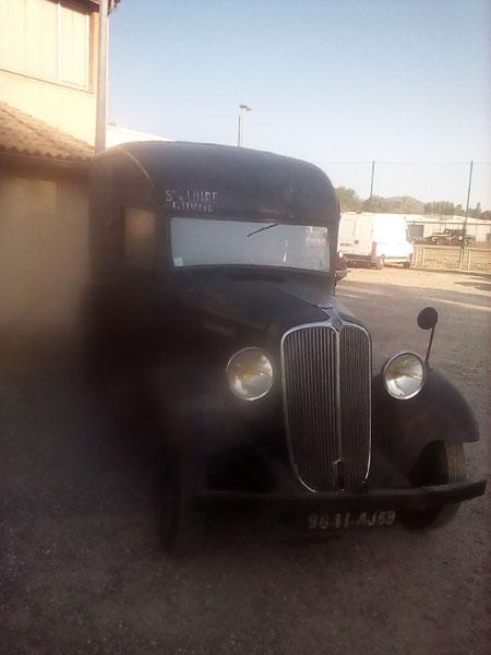 Exposition de camions a saint Pierre de boeuf  PTRA%2004%20Renault%20camionnette