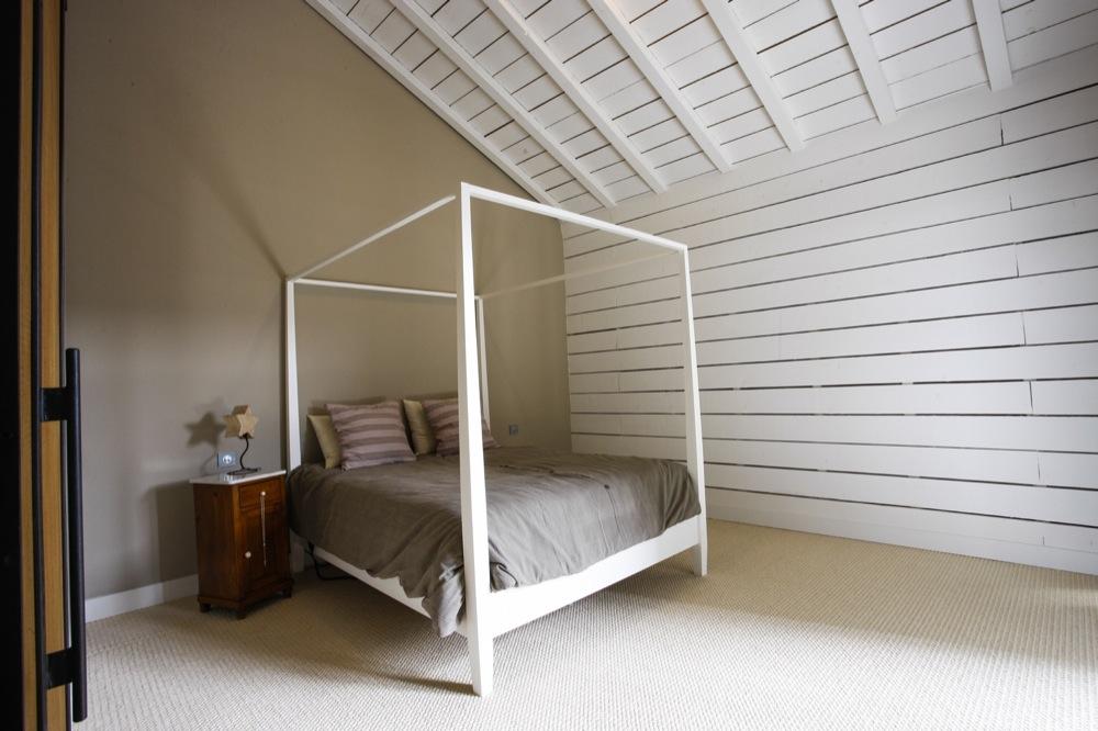 Déco maison: Chambre principale Mifigue-miraisin-chambre-a-coucher-3634