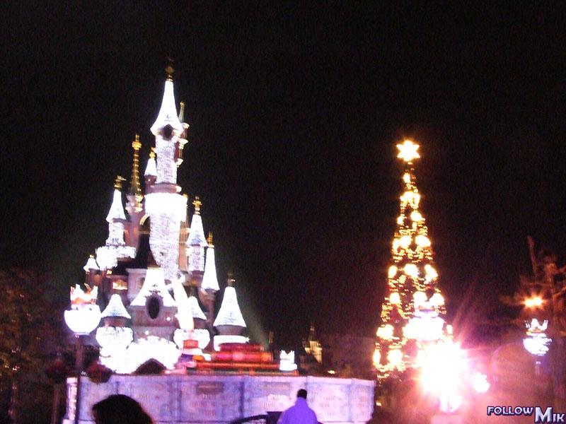 Les saisons de Noël au parcs a travers les années depuis 1992 ! ^^ 2005