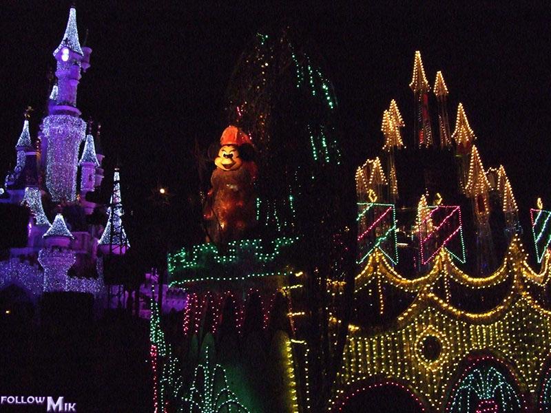 Les saisons de Noël au parcs a travers les années depuis 1992 ! ^^ 2006%203