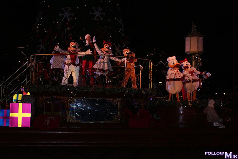 Les saisons de Noël au parcs a travers les années depuis 1992 ! ^^ 2009%202