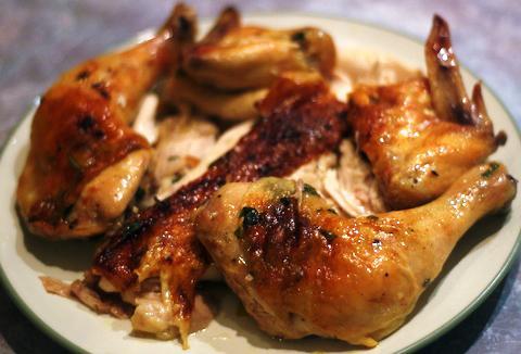 Restoranti 'Klea Love' Herb_butter_roast_chicken-237