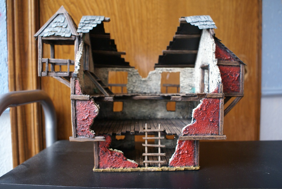 Small, but growing collection of Mordheim Terrain Dsc01428b