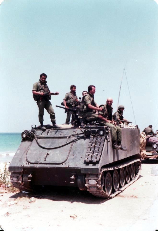 scènes de combat (armée libanaise, palestinien, chrétien...) C24619