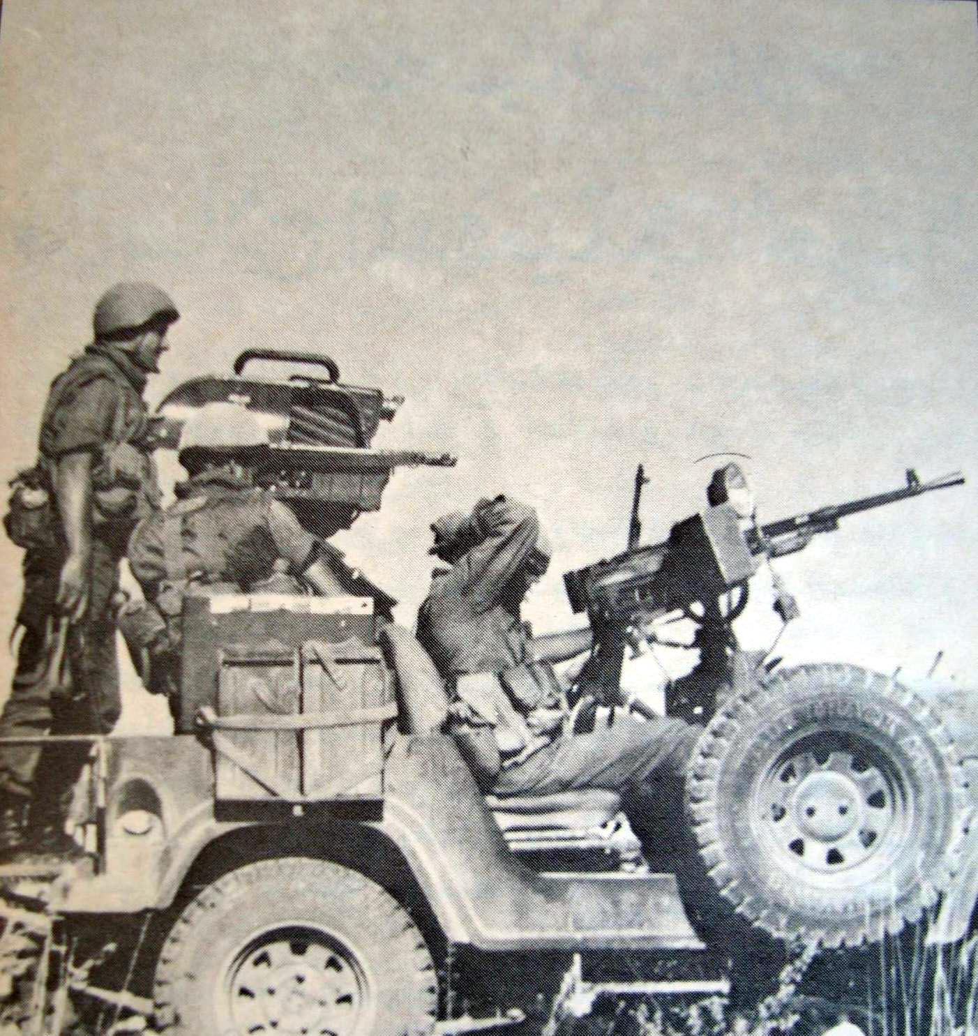 scènes de combat (armée libanaise, palestinien, chrétien...) K1983
