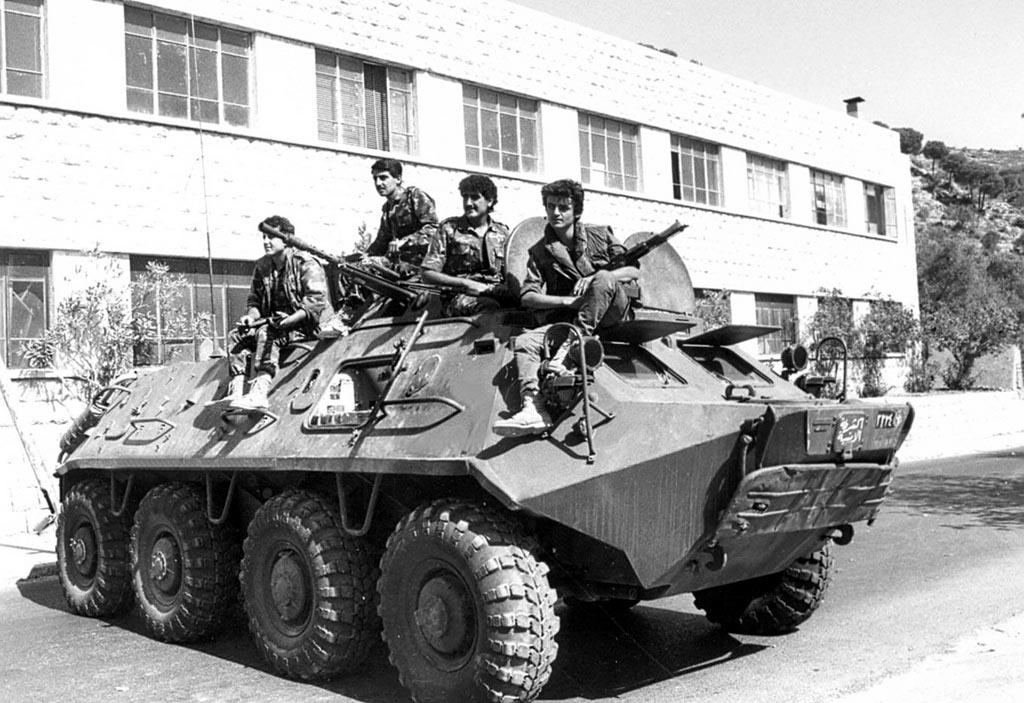scènes de combat (armée libanaise, palestinien, chrétien...) Pspbt-102