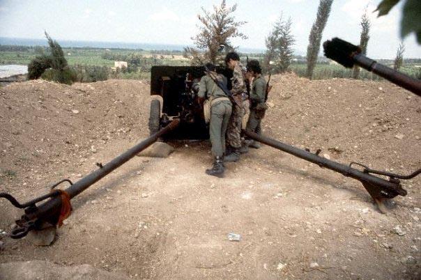 scènes de combat (armée libanaise, palestinien, chrétien...) Pspzs-101
