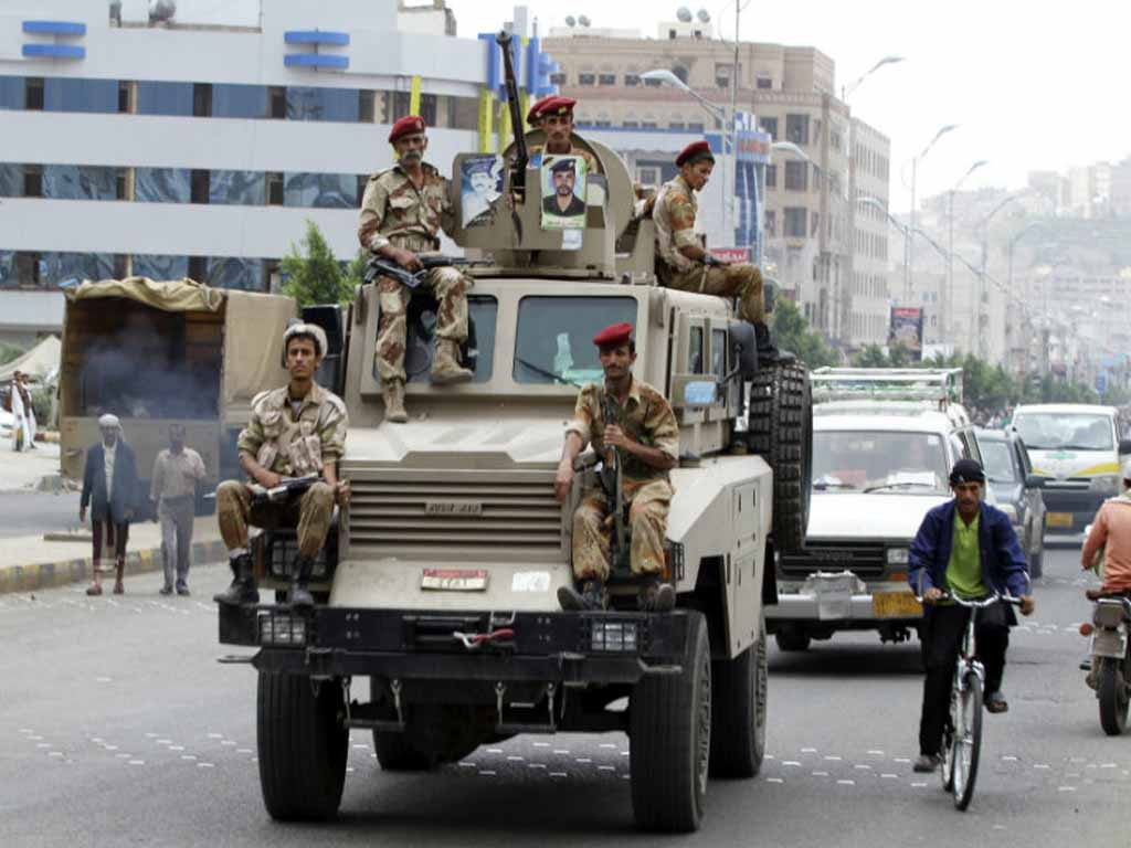 Armée Yéménite - Page 4 Yere-121216