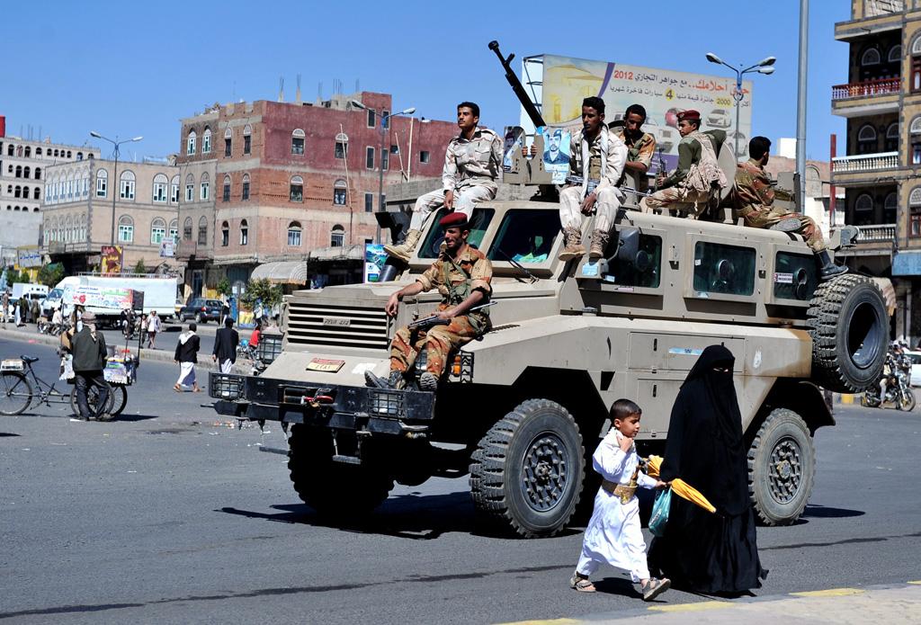 Armée Yéménite - Page 4 Yere-121221