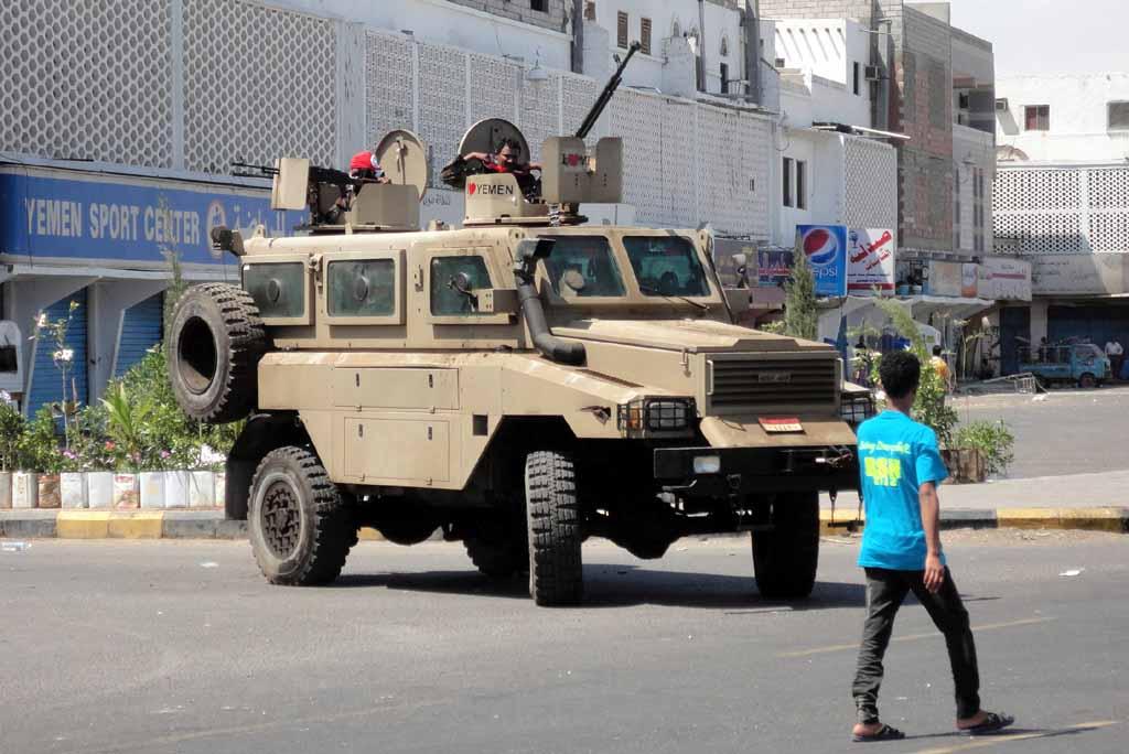 Armée Yéménite - Page 4 Yere-130221