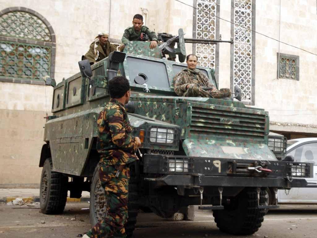 Armée Yéménite - Page 4 Yere-130810b