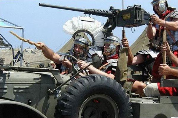 Baliste romaine ... améliorée ! Military-humor-funny-joke-soldier-army-jeep-cavalry-legion