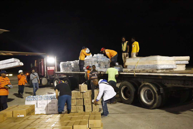 Armed Forces of Venezuela Photos - Page 6 Ayuda-humanitaria-10