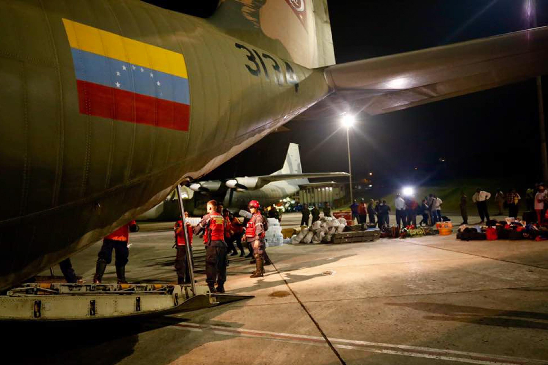 Armed Forces of Venezuela Photos - Page 6 Ayuda-humanitaria-7
