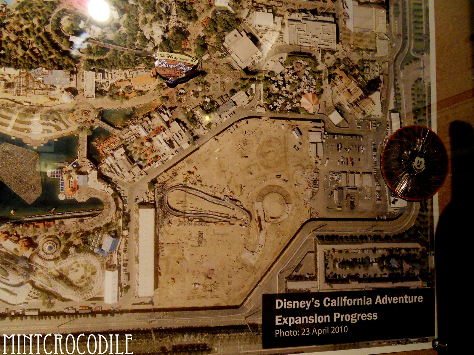 [Disney California Adventure] Cars Land (15 juin 2012) 897618111_NfHGi-X3