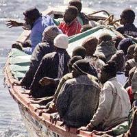 """Dicen que en Cuba... ¿La población cubana """"huye"""" del país?  Inmigrantes_patera_3"""