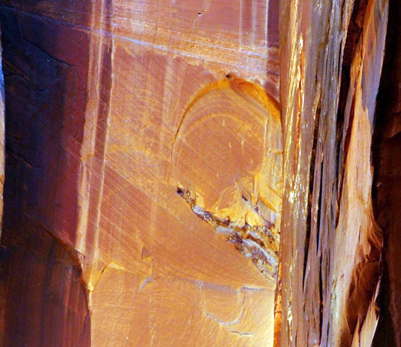 Следы древних цивилизаций: шлифованные горы с признаками машинной обработки Kamen_3542780_original