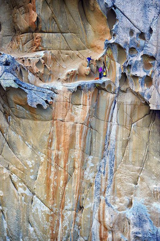 Следы древних цивилизаций: шлифованные горы с признаками машинной обработки Kamen_3797940_900
